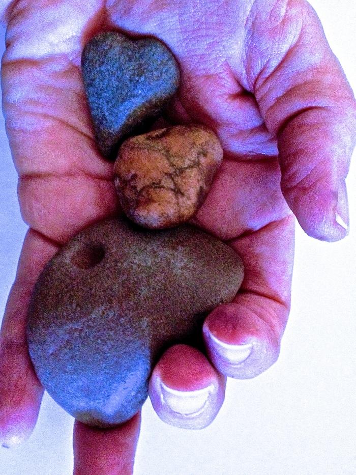 alteredhandstones